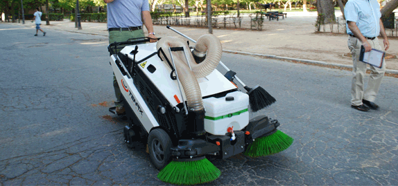 Tenax-MaxWind---Green-orirented-sweeper-for-pedestrian-areas