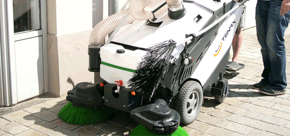 Tenax-MaxWind---Safe-and-clean-urban-sweeper