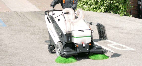 Tenax-MaxWind---outdoor-places-sweeping