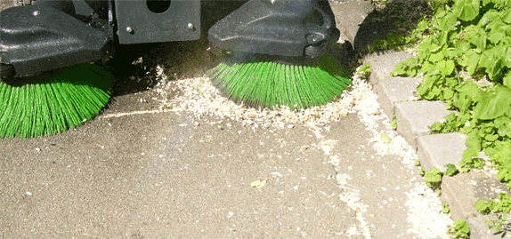 Tenax-MaxWind---sweeping-all-kind-of-municipal-waste